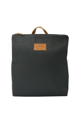 black backpack-base 1