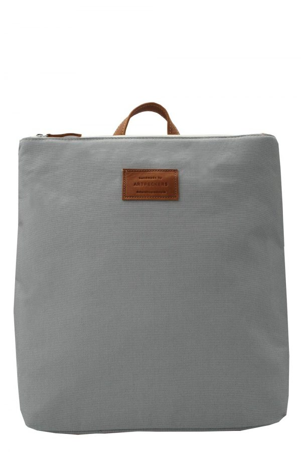 grey backpack summer - base 1