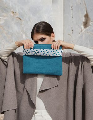pomegranate (blue green) clutch 1