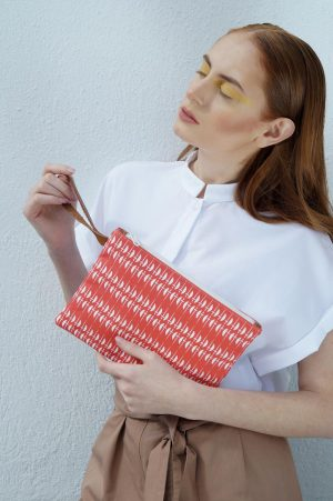 ares clutch (white) 4