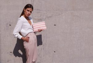 ares clutch (coral) 4