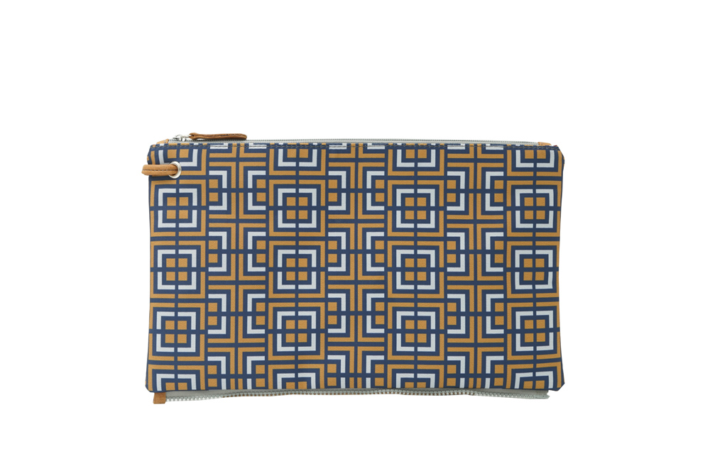 labyrinth (blue yellow) top clutch 1