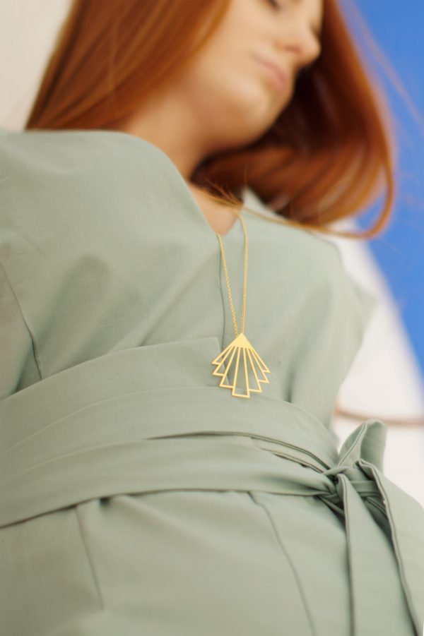 circe necklace (gold) 2