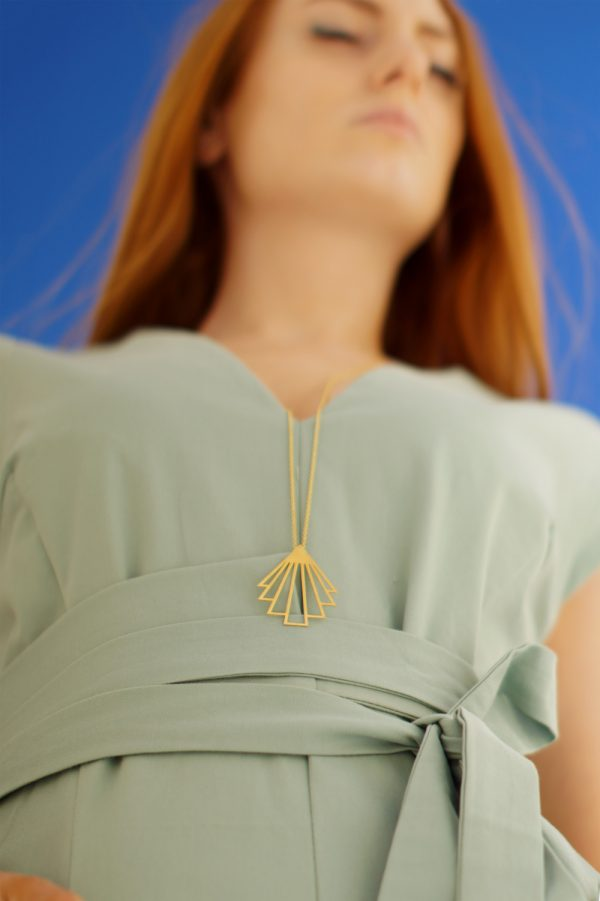 circe necklace (gold) 1