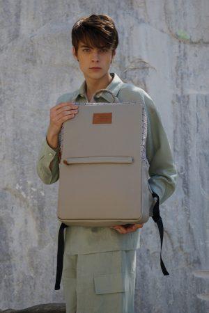 Labyrinth (mocha) rucksack 2