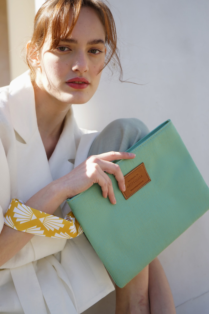 Circe (special edition) clutch 1
