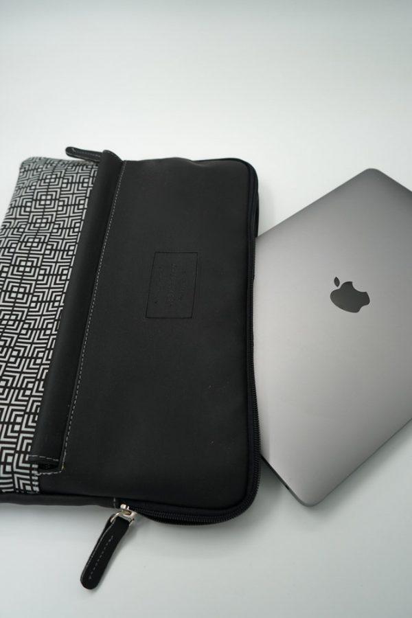 Labyrinth (black) tablet case 6
