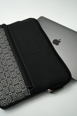 Labyrinth (black) tablet case 8