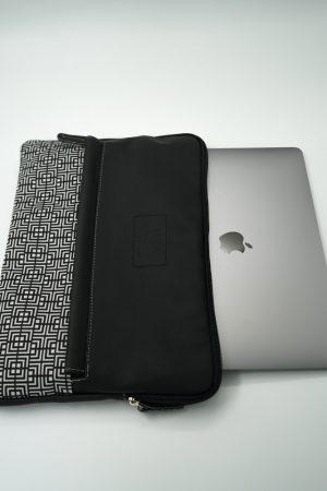 Labyrinth (black) tablet case 5