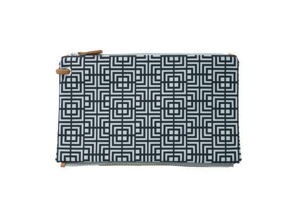 Labyrinth (black grey) top clutch